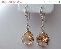 peach earings - so pretty!