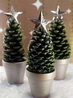 パインコーン = 松ぼっくりは、クリスマスのデコレーションに欠かせないアイテムのひとつ。 そもそも、松ぼっくりをなぜクリスマスツリーに使うようになったかは、キリストが生誕したときに、大きな実を付けたモミの木が、生まれた …