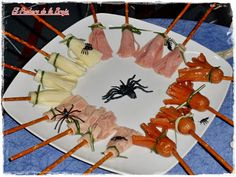 HALLOWEEN is approaching and here I leave you with a special recipe to make you feel good, prepare i desserts glas Halloween Desserts, Comida De Halloween Ideas, Halloween Cocktails, Plat Halloween, Halloween Buffet, Halloween Appetizers, Halloween Dinner, Halloween Food For Party, Halloween 2017