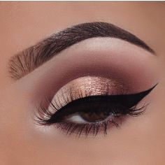 A neutral colour semi cut crease with a wing eyeliner Skin Makeup, Eyeshadow Makeup, Beauty Makeup, Eyeliner, Makeup Style, Brows, Makeup Goals, Makeup Inspo, Makeup Inspiration