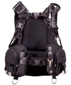 Adjustable Length, Width and Fit. A custom fit everytime, no matter how tall you are or how much you weigh. Feels like a back inflation and a jacket style on the surface. Supportive, thick and comfortable lumbar support. Built-in Flashlight pocket with a SEASOFT RAYGUN high beam 300 lumen...