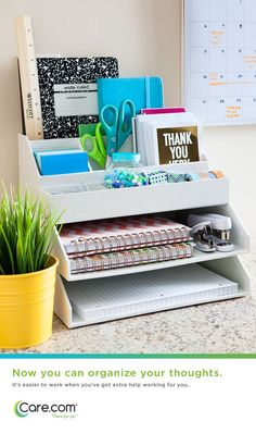 Get Organized With These Home Office Ideas Dream Home Office Looks to Get You Organized - Small Home Office, Home Office Decor, Desk Decor ideas for work 7 Amazing Home Office Ideas Will Make You Want to Work Dorm Desk Decor, Dorm Desk Organization, Diy Dorm Decor, Dorm Room Storage, College Dorm Decorations, Office Decor, Organization Ideas, Storage Ideas, Office Setup