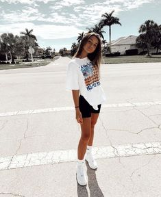 Cute Comfy Outfits, Teen Fashion Outfits, Cute Casual Outfits, Cute Summer Outfits, Retro Outfits, Short Outfits, Look Fashion, Outfits For Teens, Mode Ootd