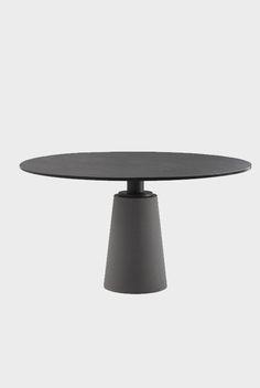 Mesa, Poltrona Frau Sideboard Table, Furniture Dining Table, Furniture Decor, Round Dining Table, Dining Chairs, Furniture Design, Table Desk, Cafe Tables, Vanity Desk