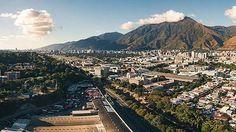 Caracas  Fotografía cortesía de @ruzjorge  #LaCuadraU #GaleriaLCU #Caracas #CaracasHermosa #ElAvila #Venezuela