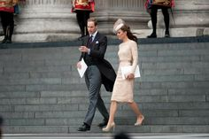 Full shot of Kate's outfit