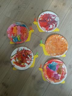 Slak knutselen Slak knutselen The post Slak knutselen appeared first on Knutselen ideeën. Daycare Crafts, Toddler Crafts, Preschool Crafts, Infant Activities, Activities For Kids, Diy For Kids, Crafts For Kids, Snail Craft, Caterpillar Craft