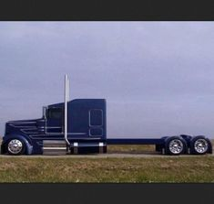 Kenworth is proven to take seriously the needs of truckers and does everything to improve the performance of the it's trucks. Whether one buys a fresh or used semi truck, the dog owner is assured Show Trucks, Big Rig Trucks, Custom Big Rigs, Custom Trucks, Customised Trucks, Peterbilt Trucks, Chevy Trucks, Peterbilt 379, Mack Trucks
