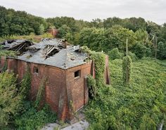 Abandoned dome houses in Southwest Florida, USA         Abandoned mill from 1866 in Sorrento, Italy      [ Photo Credits ]    Angkor Wat ...
