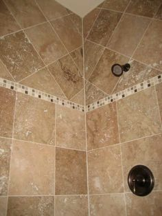 Love the mixed directions of the tiles!
