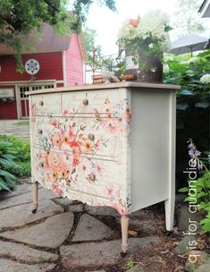 the star of the show. – q is for quandie Painted Furniture For Sale, Refurbished Furniture, Lining Drawers, Black Dressers, Rough Wood, Dresser Top, Miss Mustard Seeds, Cast Off, Beige Background
