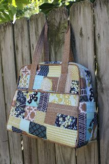 DIY weekender bag- uses the Amy Butler weekender pattern, which I can't seem to find in PDF version. Frowny face.