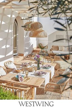 Design a perfect patio space on top of the functional details - Cozy Living Outdoor Rooms, Outdoor Dining, Outdoor Garden Statues, Beach House Decor, Home Decor, Home Living, Dining Room Design, Backyard Patio, Home Interior Design