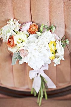 """peaches and cream"" via amy osaba event.floral.design http://ourlaboroflovebyheidi.com/"