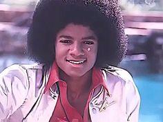 Michael Jackson Youtube, Photos Of Michael Jackson, Michael Jackson Quotes, Michael Jackson Smile, Michael Jackson Wallpaper, Jackson Music, Lovely Girl Image, Love U Forever, King Of Music