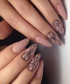 A universal nail style that suits anyone. Geometric nail art offers plenty of space to be creative. From lines and dots to rectangles and triangles, with its crisp lines and clever design, geometric nail art is here to stay. Classy Nail Designs, Best Nail Art Designs, Beautiful Nail Designs, Awesome Designs, Tribal Nail Designs, Diy Nails, Cute Nails, Pretty Nails, Diy Manicure