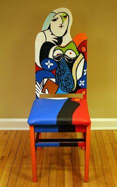 Picasso femme assise avec livre rehaussée chaise peinte par l'artiste Todd Fendos