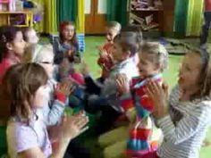 Hudebně pohybové hry v družině - YouTube
