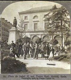 La Plaza de Isabel II, también llamada de la Ópera Best Hotels In Madrid, Madrid Travel, Foto Madrid, Isabel Ii, Plaza, Vintage Photographs, Trip Planning, Spanish, Street View