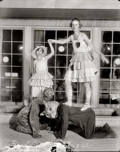 Strange Circus Freaks - Sideshow Performers