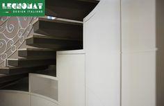 Pareti Attrezzate su Misura Roma - progettazione e realizzazione svolte da Legnomat Parete attrezzata curva, stile moderno  www.legnomat.it