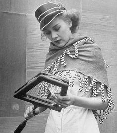 Shawls, the newest fashion accessory 1940