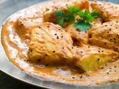 The one dish that it would be a crime to miss while visiting Goa has to be their fish curry. Here is our recipe for the perfect Goan Fish Curry. Yogurt Recipes, Healthy Recipes, Kerala Fish Curry, Tuna Fish Recipes, Coconut Fish, Indian Food Recipes, Ethnic Recipes, Indian Dishes, Curry Recipes