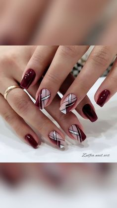 Chic Nails, Stylish Nails, Trendy Nails, Acrylic Nails Coffin Pink, Glitter Gel Nails, Manicure Nail Designs, Acrylic Nail Designs, Red Nail Designs, Sassy Nails