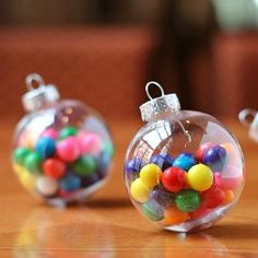 Come see how we finished off these bubble gum ornaments for the cutest little gifts. Free printable tag included!
