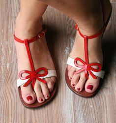 PRESENT RED :: SANDALS :: CHIE MIHARA