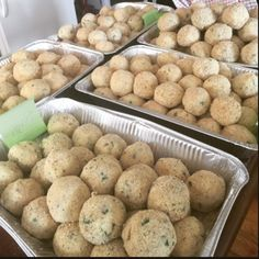 Slanging riceballs #arancini #riceballs #traditional AND #nonTraditional #homemade #handmade #freshtoOrder #madeWithLove #queens #statenisland #foodie #foodporn #goodeats #nom #italianfood #delicious #truffles #leahsitalianapples #sicilian #deepfried #goldenbrown #notyourNonnas #reinventingRiceballs #supportLocalBusiness #cheesy #eeeeeats #catering #foodilysm