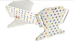 Novità tra i prodotti per la prima infanzia: la culla ecologica in cartone. Colorata e riciclabile.