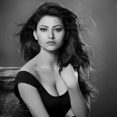 Urvashi rautela cutest face unseen latest hot sexy images of her body show and navel pics with big cleavage and bikini photos collection. Hot Actresses, Indian Actresses, Glamour World, Fashion Model Poses, Glamour Photo, Beauty Around The World, Beautiful Bollywood Actress, Beauty Pageant, Bollywood Celebrities