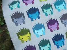 "How darling! ""Hazel Hedgehog"" quilt by Elizabeth Hartman of Oh, Fransson! Pattern available here for $10: http://ohfransson.bigcartel.com/product/hazel-hedgehog-pdf-quilt-pattern"