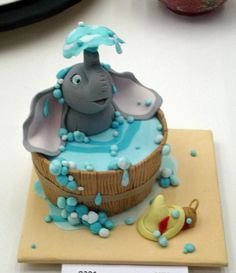 Ok, I know this is fondant, and I don't usually like to use fondant, but this is too frickin' precious to not repin!