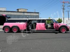 PINK MINI LIMO... YES!!