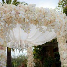 We just adore this floral canopy! Via Karen Tran Florals.