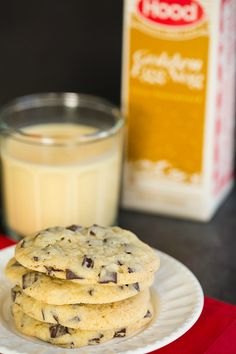 "Gettin in the Christmas spirit! // ""Dark Chocolate Chunk Eggnog Cookies"" 