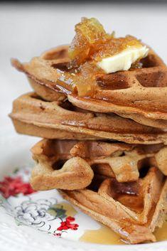 Apple Cider Waffles with Caramel Apple Syrup Cinnamon Roll Waffles, Savory Waffles, Breakfast Waffles, Hashbrown Waffles, Bakers Chocolate, Chocolate Waffles, Cooking Chocolate, Cake Batter Waffles, National Waffle Day