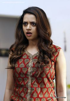 Bhavana Cute Photos In Adventures of Omanakuttan Movie South Indian Actress, Beautiful Indian Actress, Beautiful Actresses, Beautiful Heroine, South Actress, Bollywood Actress Hot Photos, Bollywood Fashion, Bollywood Celebrities, Cute Beauty