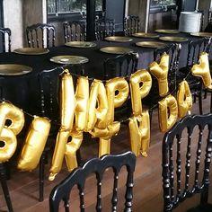 Hellium balloons happy birthday letters Black & gold  Siyah ve altın ın mükemmel buluşması  #doğumgünü #yaşgünü #parti #konsept #gold #balloon  MİOLA DAVET VE ORGANİZASYON 0224 999 5 333