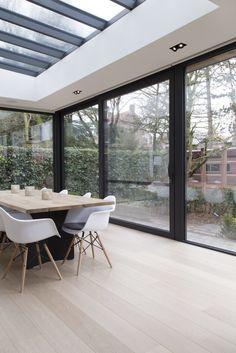 Moderne leefveranda te Brugge midden in stad