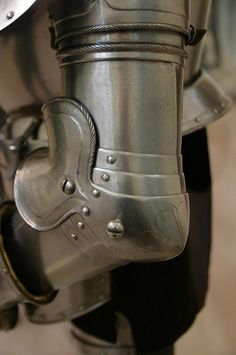 German joust armour - detail of couter
