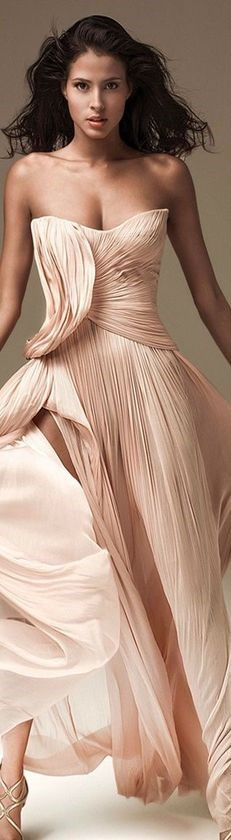 Pink Fashion, Couture Fashion, Fashion Outfits, Fashion Clothes, Rose Pale, Festival Outfits, Beautiful Gowns, Playing Dress Up, Fashion Boutique