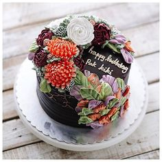 3D flower buttercream cake 😊