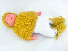 Hand Knit Baby Set, Modern Baby Set, Baby Hat, Baby Shrug, Baby Booties, Unisex Baby Set, Baby Gift Idea, Newborn Baby Gift, Baby Photo Prop by heaventoseven on Etsy