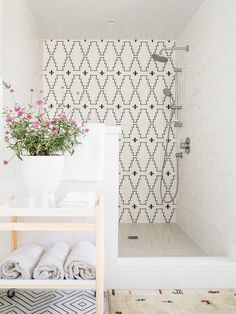 Interior Design white shower with black and white western tiles. Choosing bathroom tile is tricky bu White Shower, Bathroom Interior, Parisian Bathroom, Bathroom Inspiration, Interior Design, Tile Ideas, Home Decor, Furniture, Shower Bathroom