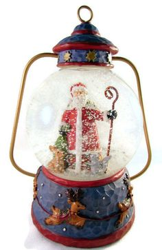 Christmas Snow Globe Santa Claus Lantern Winterland Collection  6 inches Unique