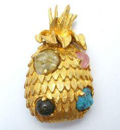Jeanne Vintage Pineapple Brooch Art Glass Rhinestone Gold Pin Fashion Jewelry  #Jeanne #Pineapple
