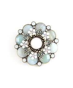 High Jewelry, Jewelry Box, Jewelry Watches, Jewelry Accessories, Jewelry Design, Beaded Brooch, Vintage Brooches, Antique Jewelry, Turquoise Bracelet